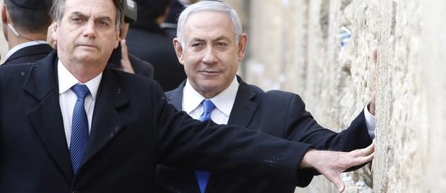 O presidente Jair Bolsonaro e o primeiro-ministro israelense, Benjamin Netanyahu, no Muro das Lamentações