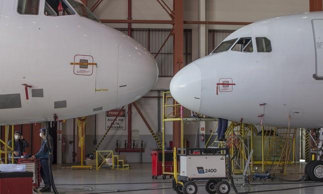 Aviões em instalação da Latam no município de São Carlos, no interior de São Paulo