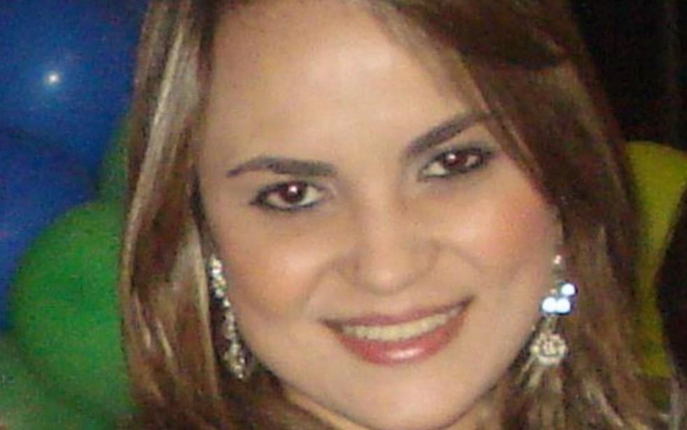Bancária Cibelle foi morta após dupla tentar roubar bicicleta, em Goiânia, Goiás — Foto: Reprodução/Facebook