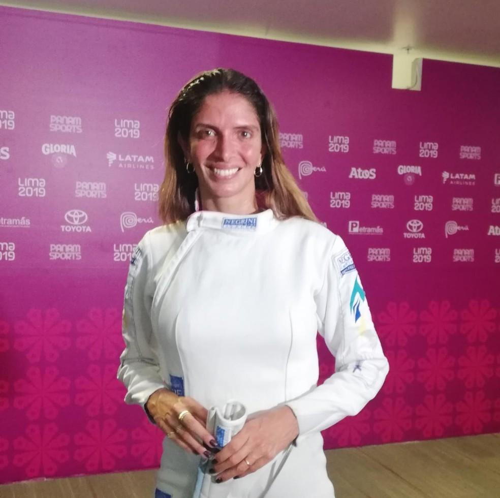 Nathalie Moellhausen é bronze na esgrima no Pan de Lima — Foto: Fabio Grijó