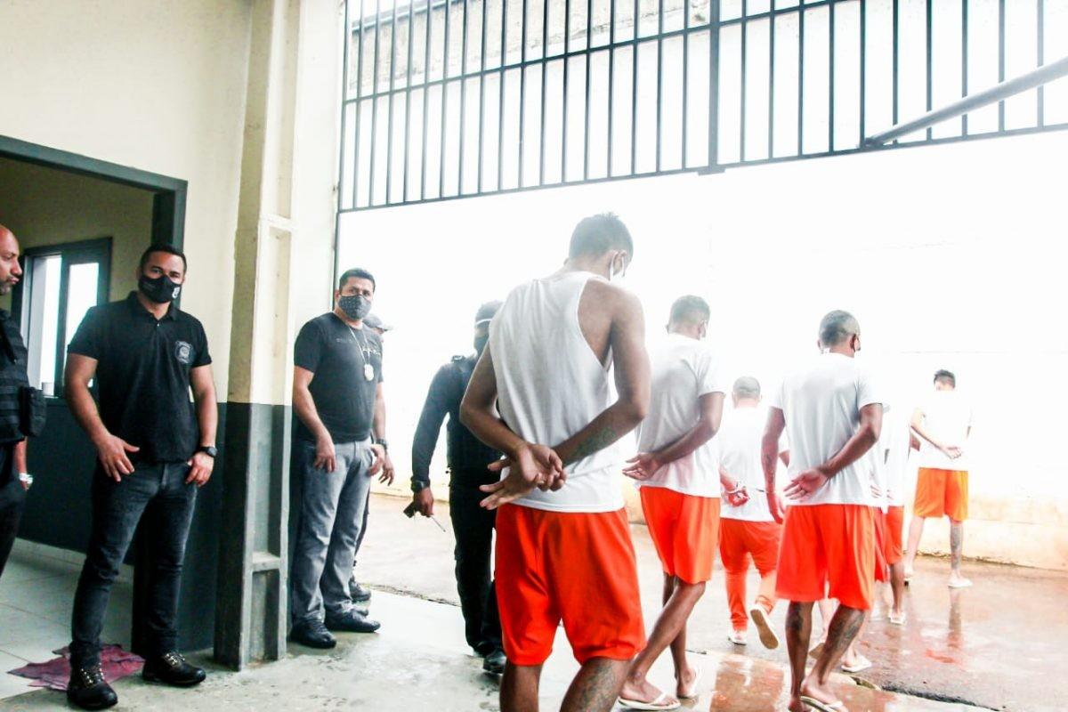 Dos mais de 360 presos inscritos no Enem, 298 fizeram provas no Acre esta semana