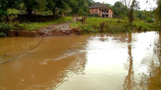 Municípios avaliam prejuízos após estragos e desmoronamentos causados pela chuva no RS