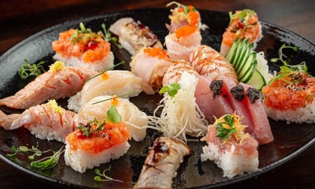 Combinado de sushis e sashimis do Ginger
