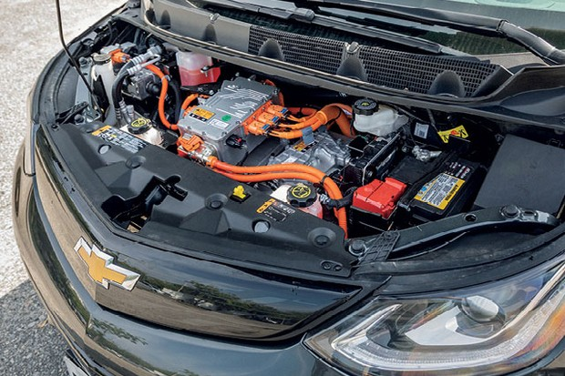Autoesporte foi de São Paulo ao Rio de Janeiro com três carros elétricos: BMW i3; Chevrolet Bolt; Renault Zoe (Foto: Gustavo Maffei e Marcos Camargo)