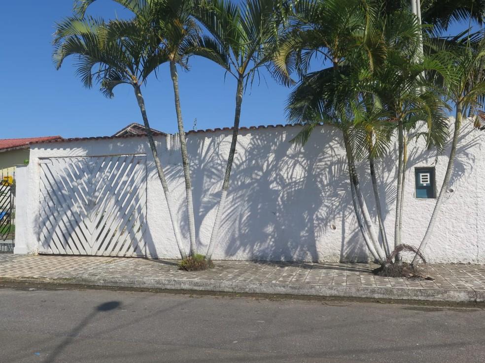 Local registrado como a sede da empresa de notícias de Rafael, numa área residencial de Praia Grande (Foto: G1 Santos)
