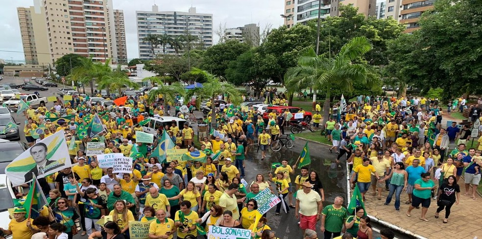 Ato nas ruas de Aracaju (SE) — Foto: Andre Gentil