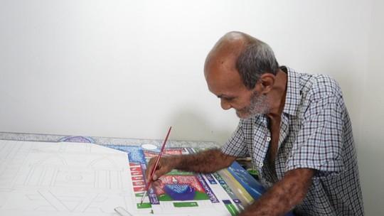 Artista plástico Aurelino dos Santos retrata de maneira organizada seu mundo caótico