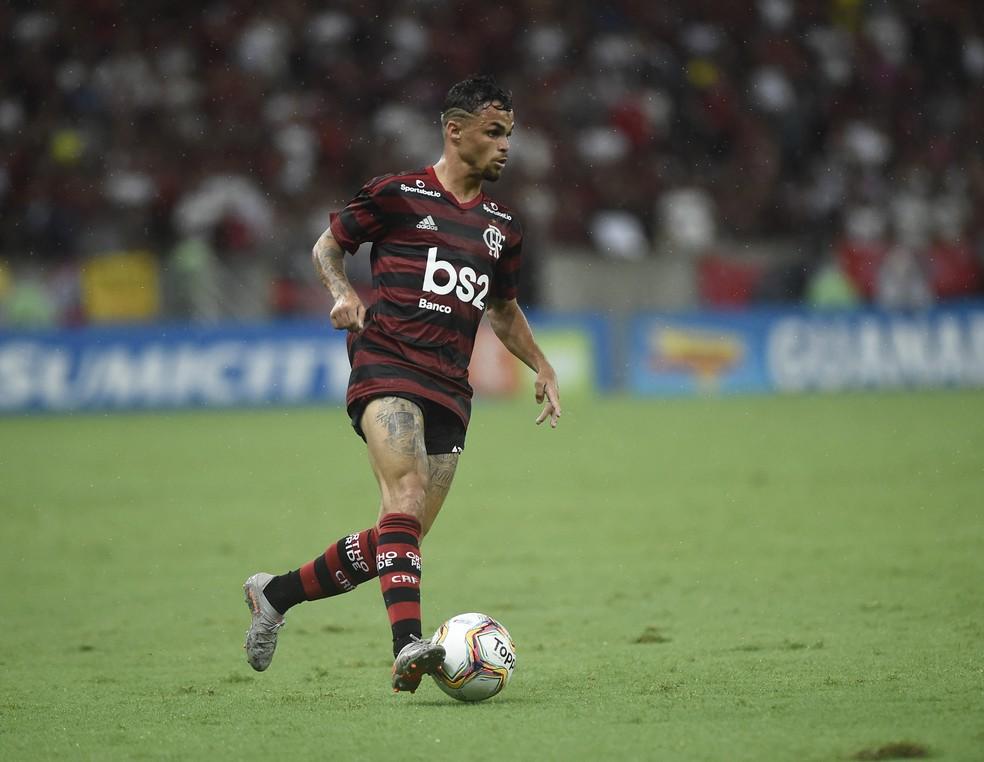 Michael em ação pelo Flamengo — Foto: André Durão