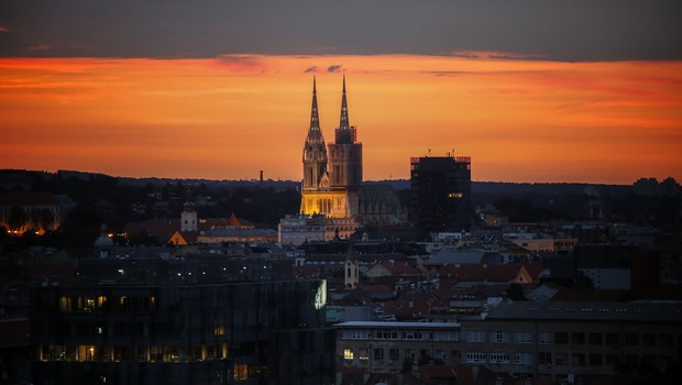 Pôr do sol na capital da Croácia, Zagreb (Foto: Srdjan Stevanovic/Getty Images)