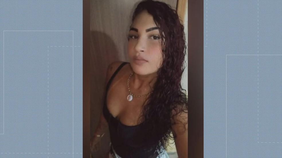 Jovem de 22 anos foi baleada na cabeça após discutir com o namorado em um baile em São João de Meriti, na Baixada Fluminense — Foto: Reprodução/ TV Globo