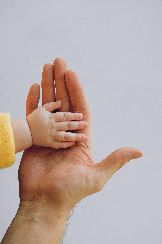 Licença-paternidade ainda é desafio; veja direitos trabalhistas e previdenciários dos pais thumbnail