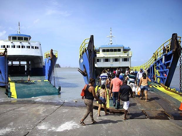 Ferry-boats operam em horário especial por conta do feriado de finados