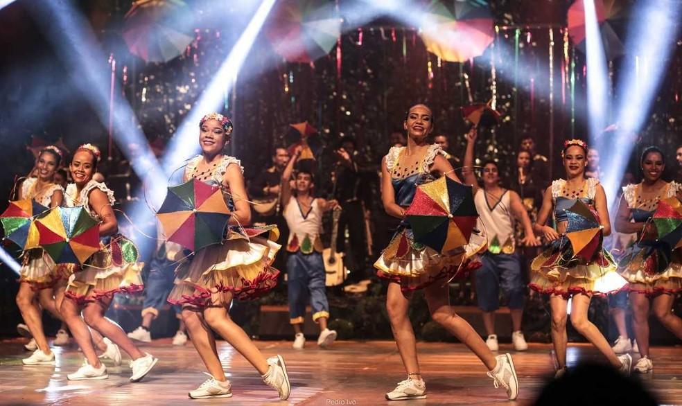 Dançarinos no ritmo do frevo (Foto: Luiz Henrique Menezes / Divulgação)