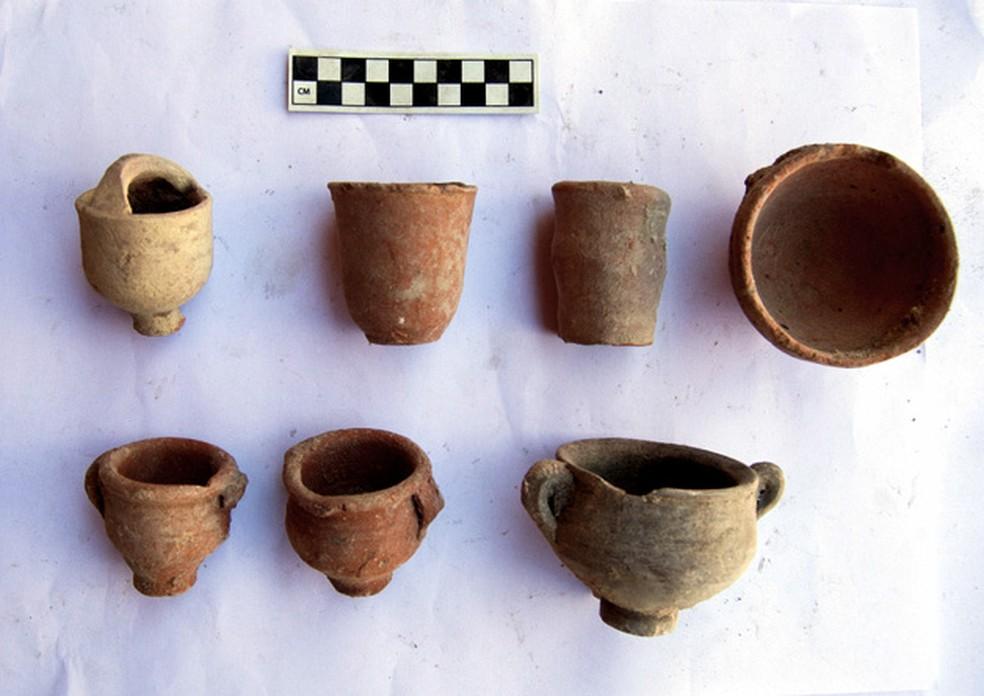 Objetos foram encontrados em museu na cidade de Alexandria, no norte do país (Foto: Ministério de Antiguidades do Egito/AFP)