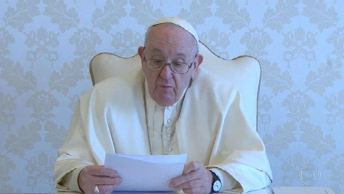 Papa Francisco envia mensagem aos brasileiros em vídeo