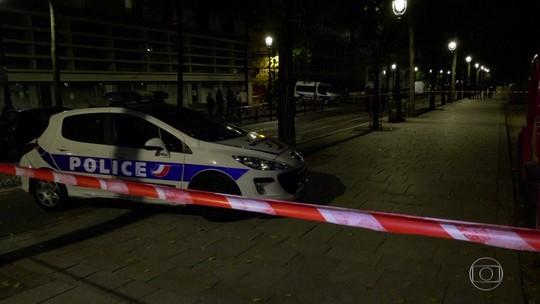 Ataque com faca em Paris deixa 7 feridos, 4 em estado grave