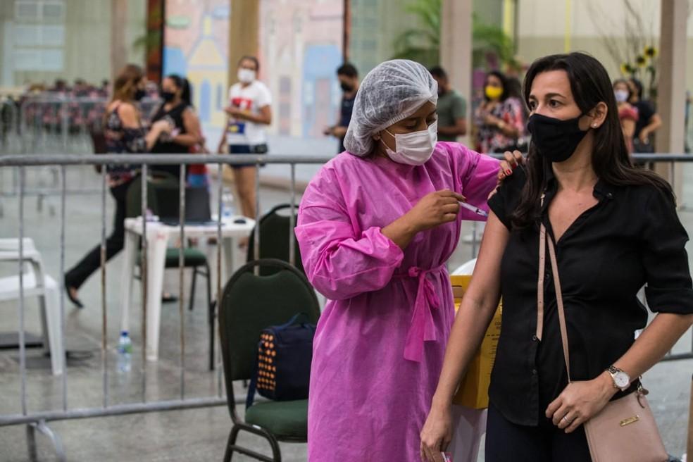 Vacinação contra Covid em Fortaleza, no Ceará — Foto: Thiago Gadelha/SVM