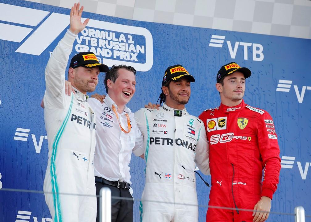 Bottas, Hamilton e Leclerc no pódio de Sochi — Foto: Reuters