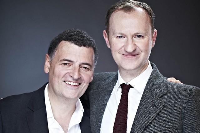 Steven Moffat e Mark Gatiss (Foto: Divulgação / BBC)