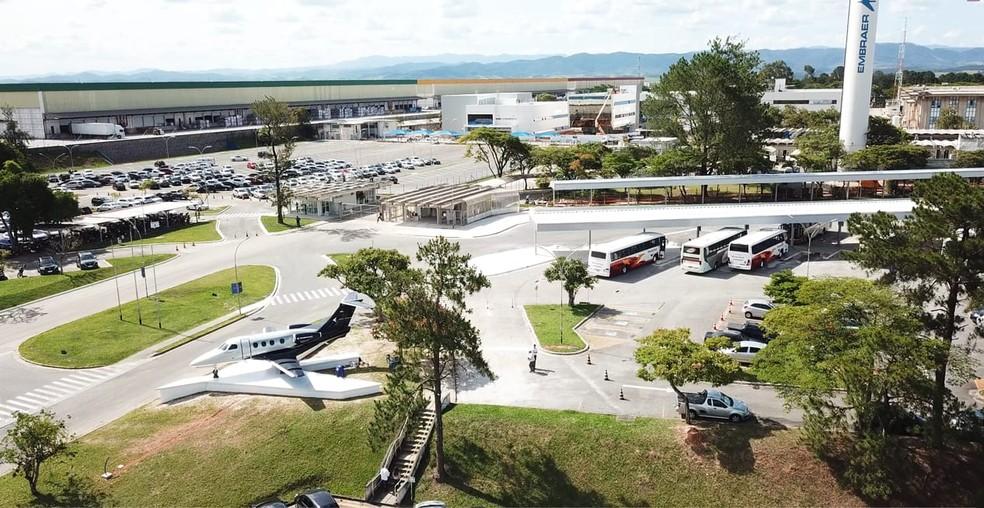 Unidade da Embraer em Eugênio de Melo, em São José dos Campos, foi ampliada e passará a ter 4 mil funcionários — Foto: Embraer/Divulgação