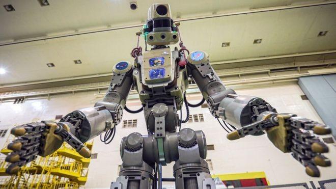 BBC: Fedor fez história como o primeiro robô enviado pela Rússia ao espaço – o problema é que ele não tinha muito o que fazer por lá (Foto: EPA VIA BBC)