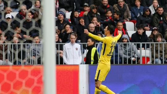 Di María assina pintura na vitória do PSG no Francês