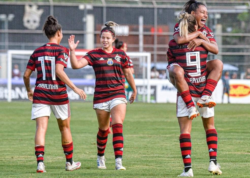 Flamengo feminino também terá novo patrocinador — Foto: Marcelo Cortes e Paula Reis/CRF