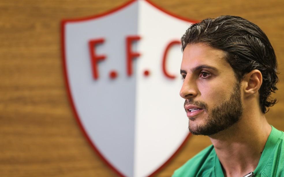 Hudson, volante do Fluminense — Foto: Lucas Merçon / FFC