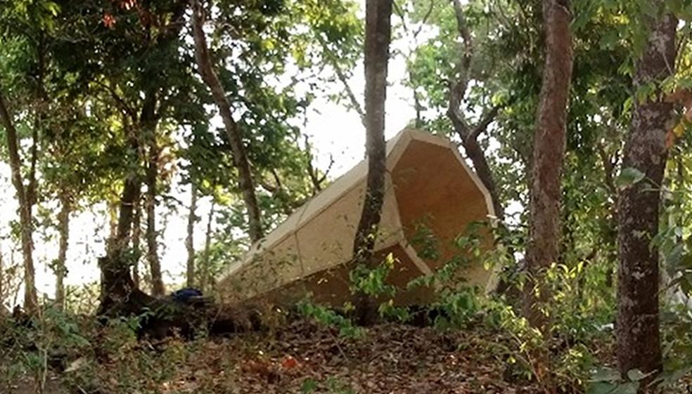 Megafones gigantes estão ao longo da trilha em Nobres (Foto: Helen Reis/ Arquivo pessoal)