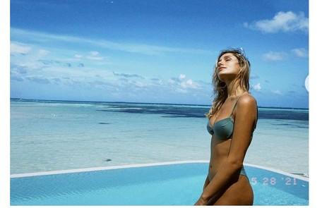 Filha Luciano Szafir e de Xuxa posou nas Maldivas clicada pelo Marido, João Figueiredo Reprodução