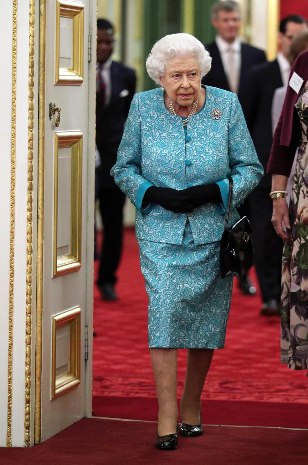 A rainha Elizabeth II em foto de 21 de outubro. — Foto: Yui Mok / Pool / AFP