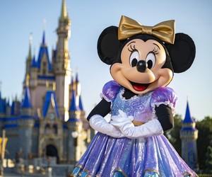 Minnie Mouse com look novo do aniversário de 50 anos do Walt Disney World