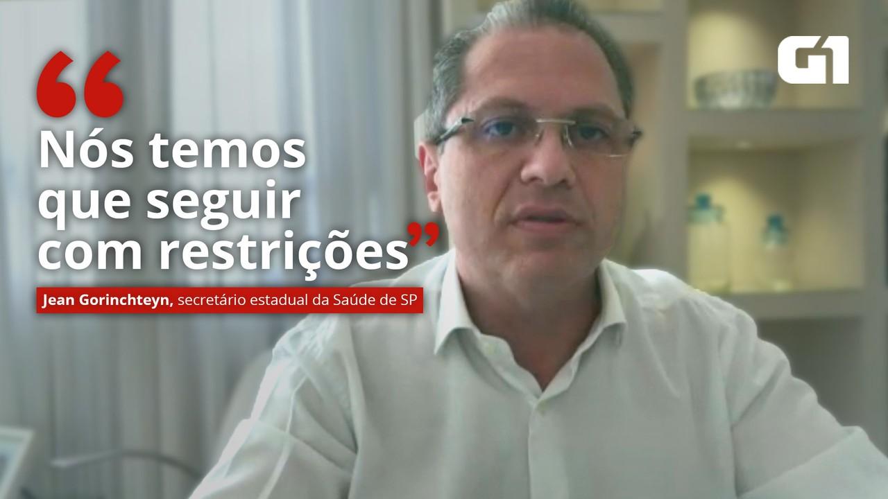 VÍDEO: 'Nós temos que seguir com restrições', diz secretário estadual da Saúde de SP