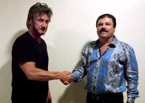 Um registro do encontro do ator Sean Penn com o traficante El Chapo (Foto: Reprodução/Rolling Stone)