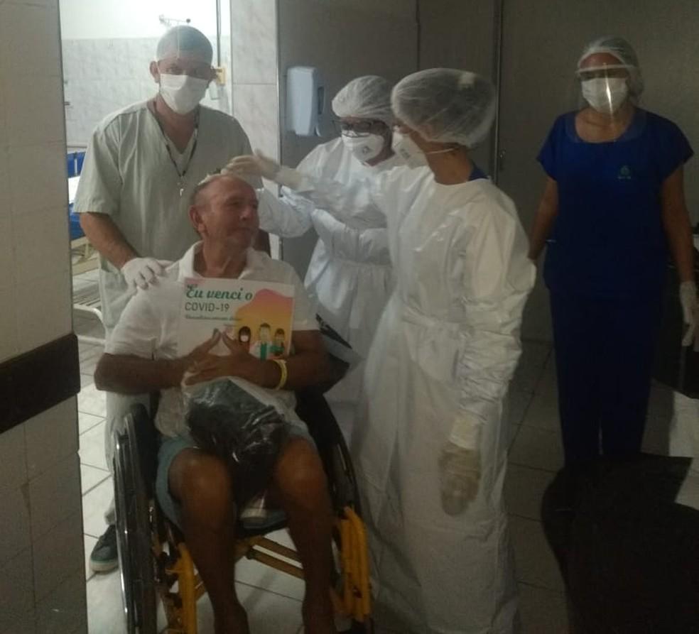 José Ernane chegou a pedir a filha para não ser deixado no hospital — Foto: Arquivo Pessoal