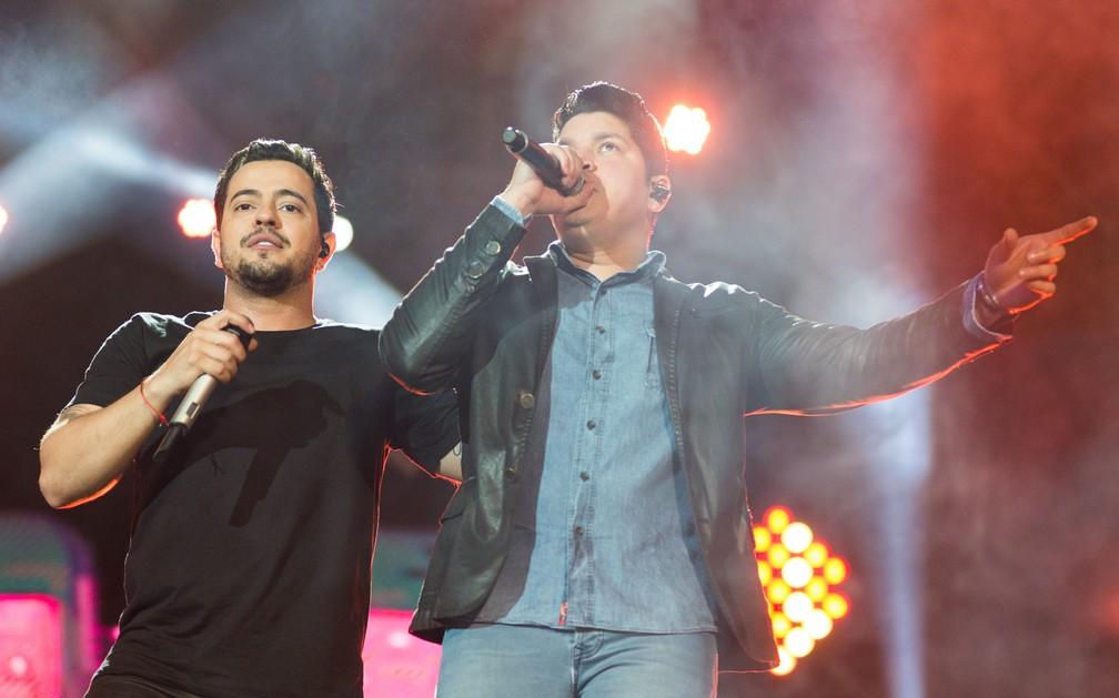 Henrique e Diego se apresentam na Festa do Peão de Barretos 2018 (Foto: Érico Andrade/G1)