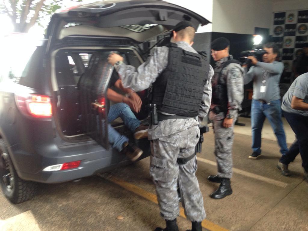Agente penitenciário de MS é preso em ação contra grupo envolvido em tráfico de armas, de drogas e roubos