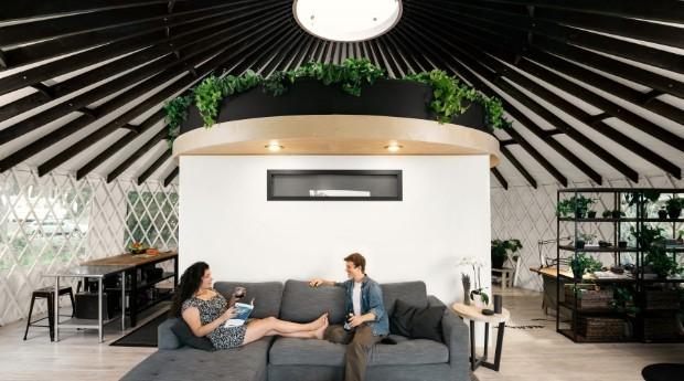 O espaço conta com uma sala, uma cozinha, um escritório e um banheiro (Foto: Divulgação)