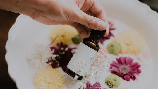 Aromaterapia: como controlar a ansiedade e a compulsão alimentar com os óleos essenciais