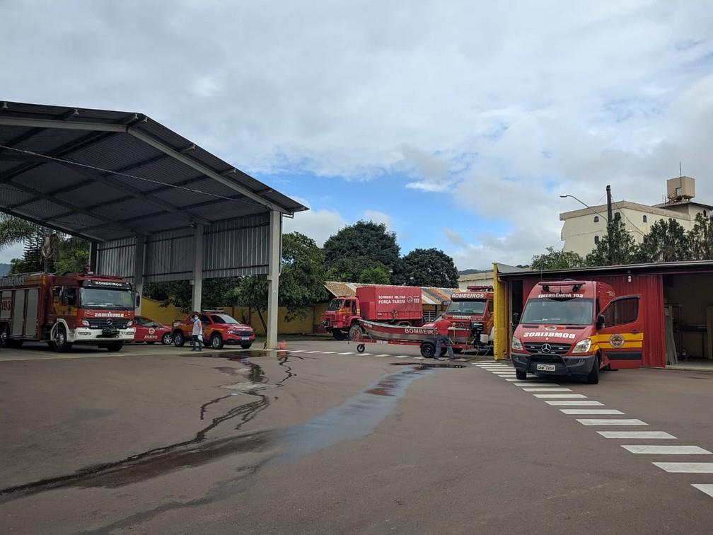Bombeiros de Presidente Getúlio estão mobilizados no atendimento às vítimas após noite de forte chuva. — Foto: Corpo de Bombeiros de Santa Catarina/Divulgação