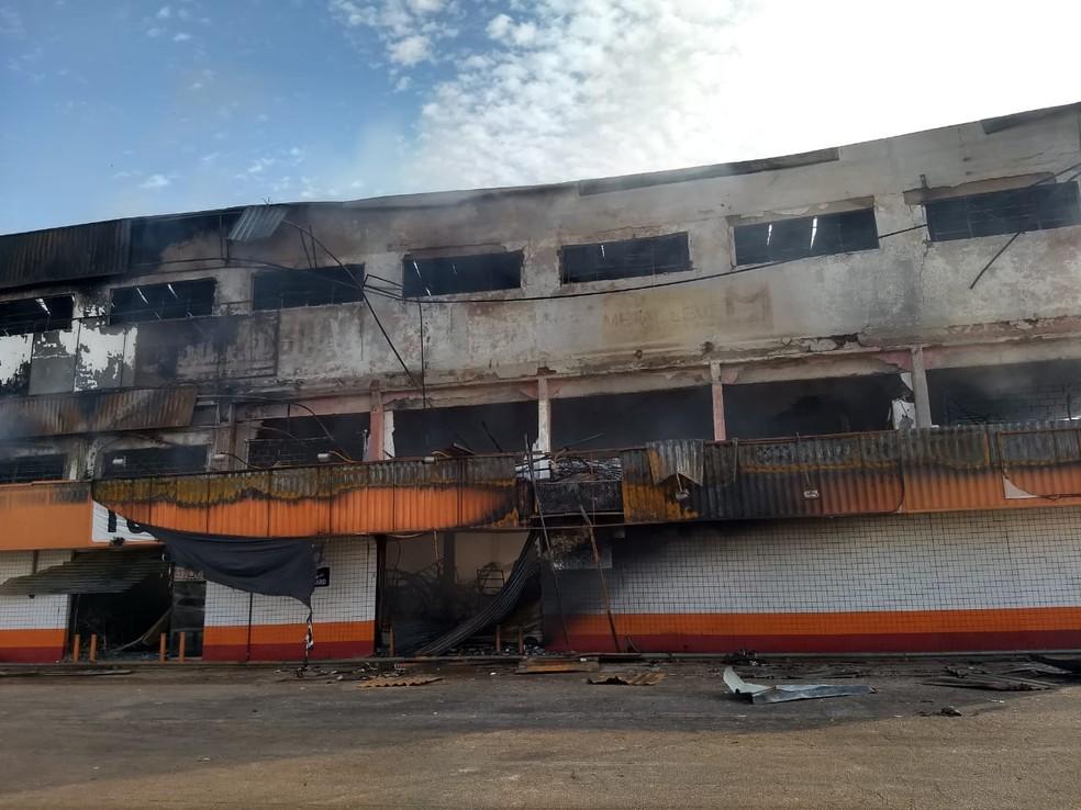 Prédio de loja após incêndio em Porto Velho — Foto: Diêgo Holanda/G1