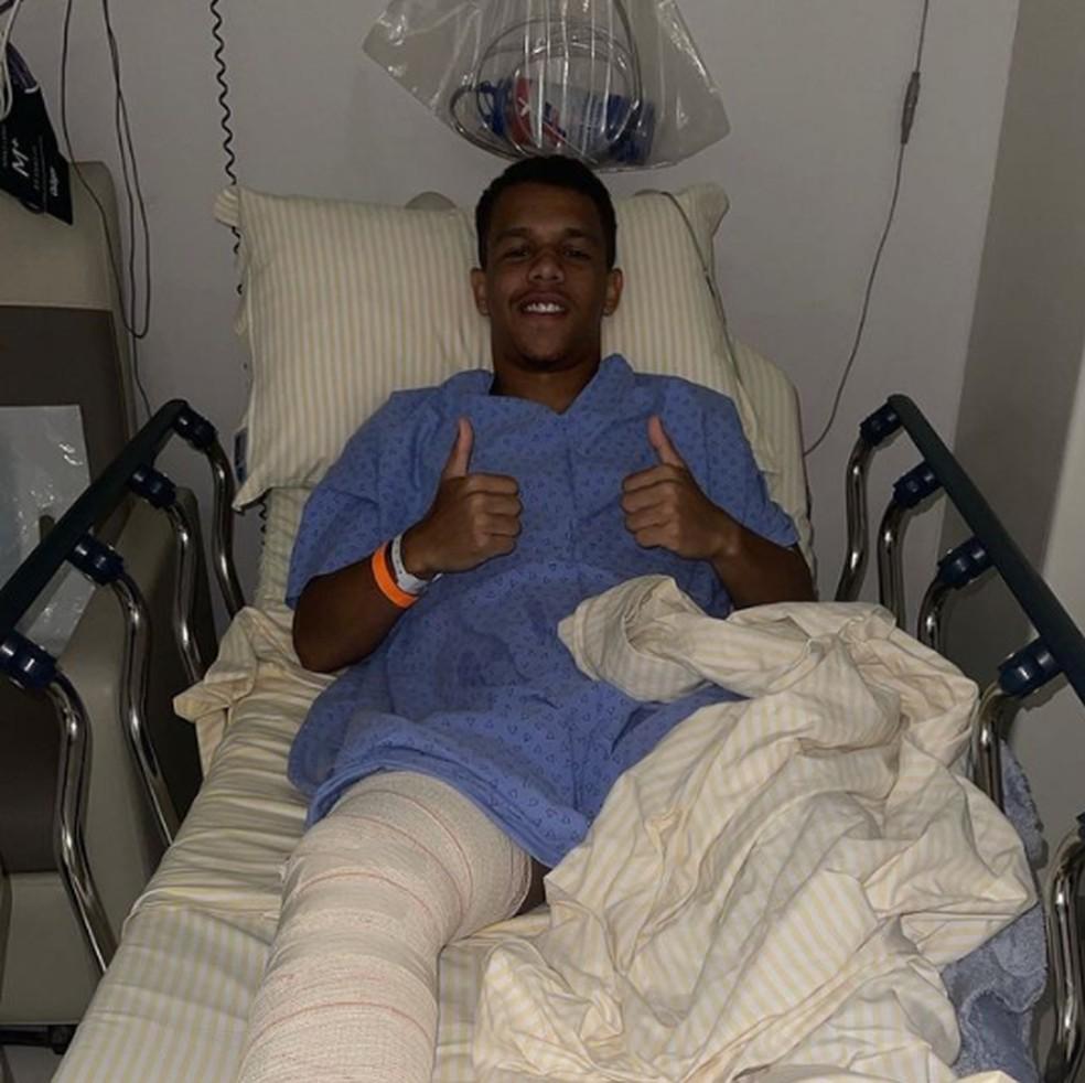 Sandry, do Santos, passou por cirurgia nesta quarta-feira — Foto: Reprodução/Instagram
