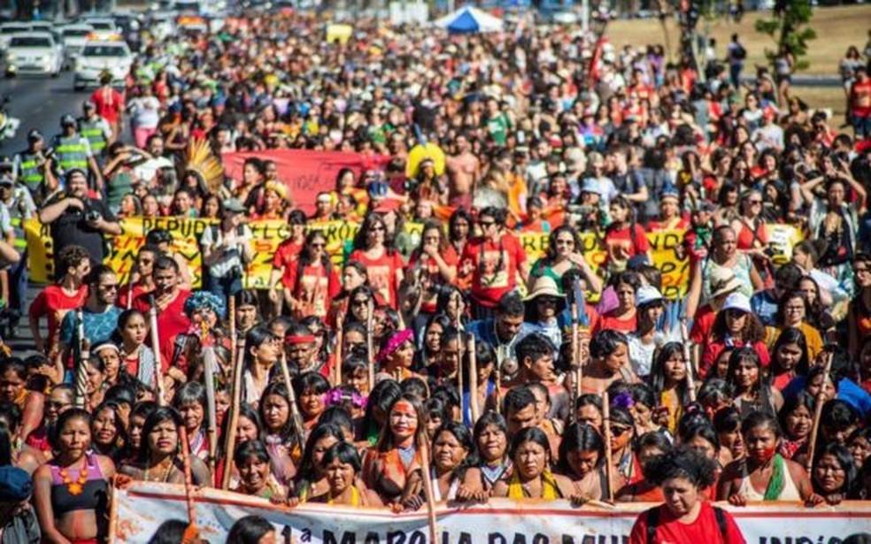Melhoria da saúde indígena foi uma das principais reivindicações da 1ª Marcha das Mulheres Indígenas, em agosto, em Brasília — Foto: Articulação dos Povos Indígenas do Brasil