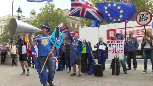 Parlamentares britânicos tentam adiar Brexit