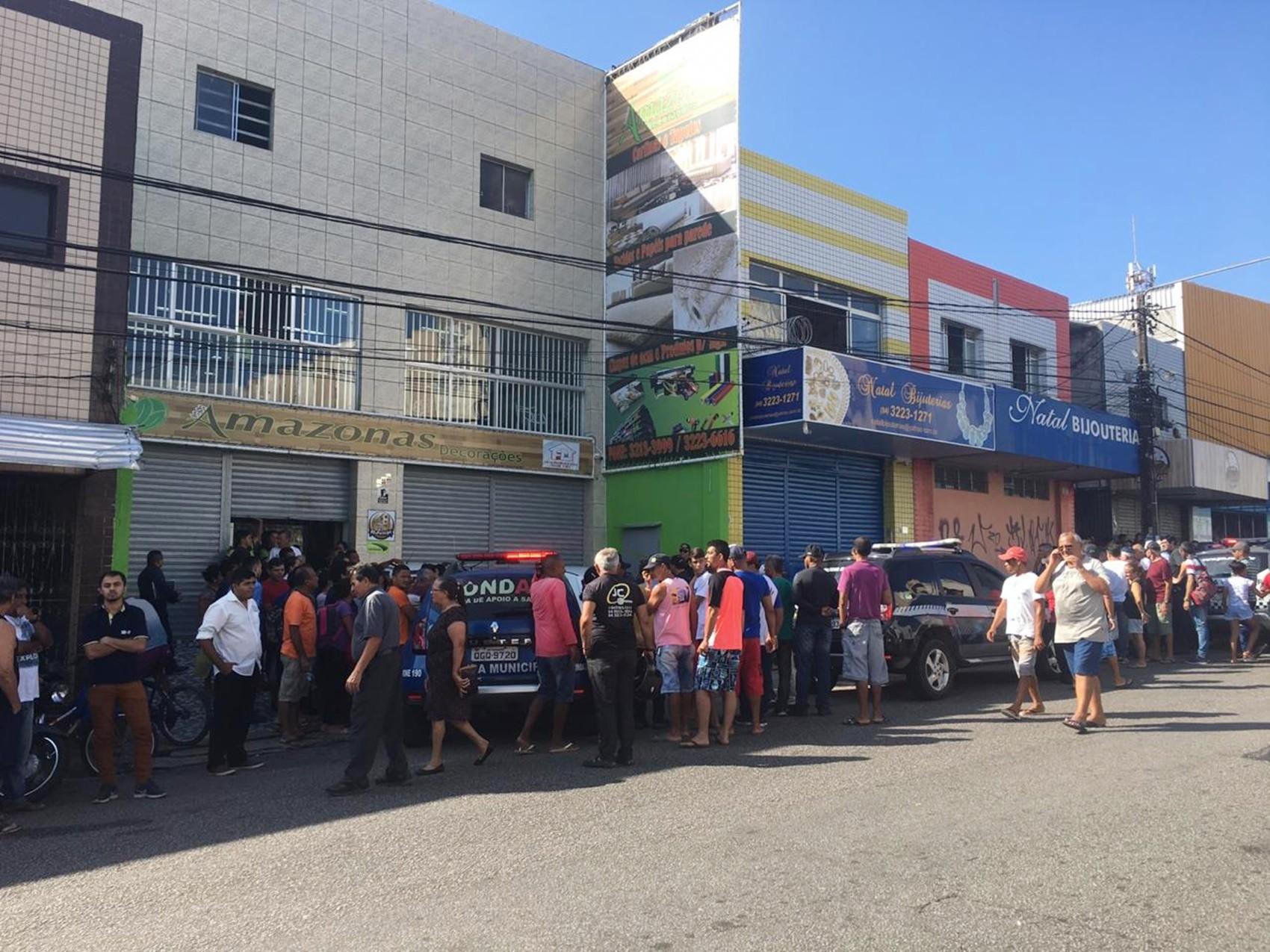 Assaltante em fuga atira e mata jovem de 18 anos no bairro do Alecrim, em Natal - Notícias - Plantão Diário