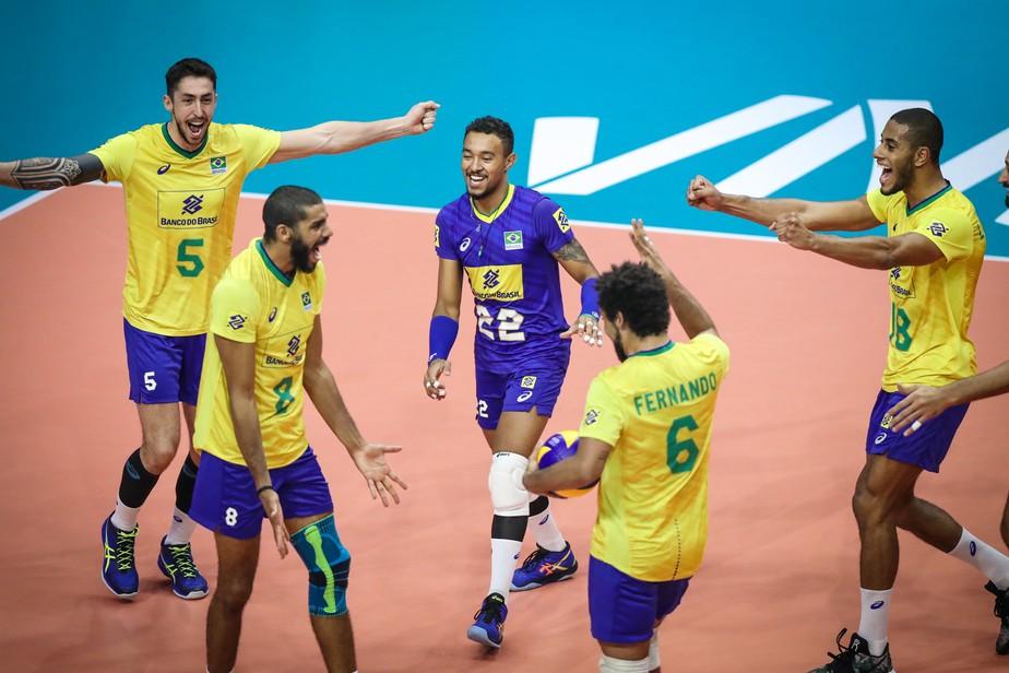 É 100%: Brasil sofre, mas passa pela Argentina e engata 6ª vitória na Liga das Nações