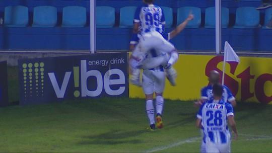 Gol e evolução: Matheus Barbosa mira a titularidade no Avaí na reta final da Série B