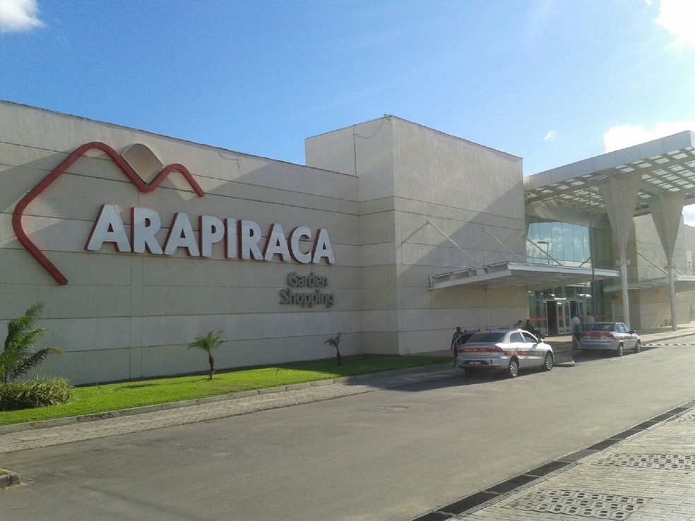 ... Assalto aconteceu por volta de 11h dentro do Arapiraca Garden Shopping,  no Agreste de Alagoas c4d6fd86b2
