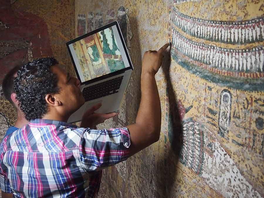 Inspeção das condições da tumba de Tut (Foto: Divulgação/Getty Trust/Stephen Rickerby)