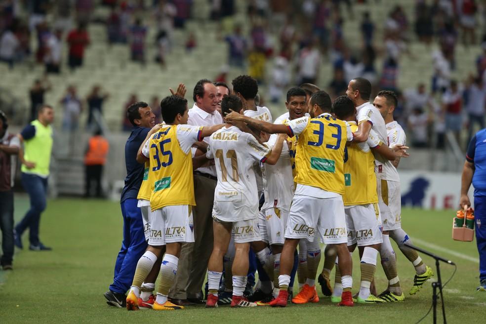Fortaleza venceu o Guarani na estreia da Série B (Foto: Thiago Gadelha/Agência Diário)